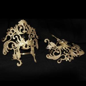 hand-glove-ornament