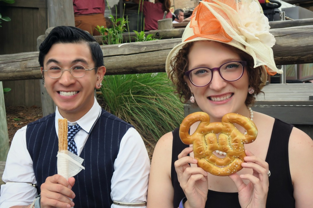 DisneyBounding-VeryNerdyCurly-Eating